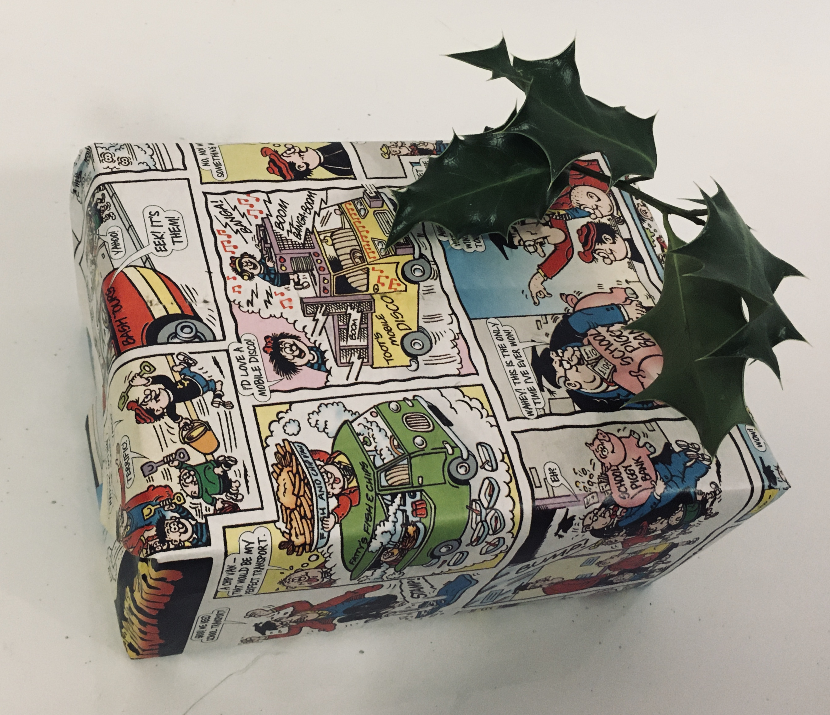 Comic Christmas wrapping Recycling